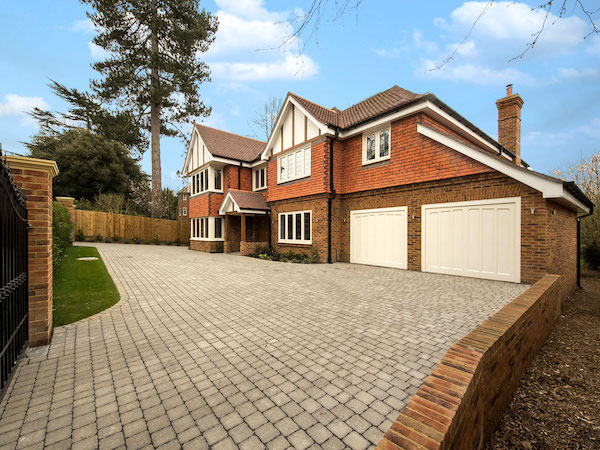 exterior residential painters and decorators surrey